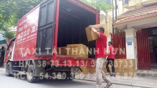 vận chuyển tủ quần áo bằng xe tải
