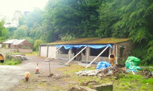 garage bỏ hoang