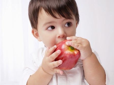 câu chuyện về trái táo