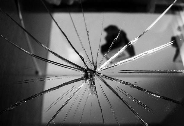 xử lý gương, bát khi vỡ
