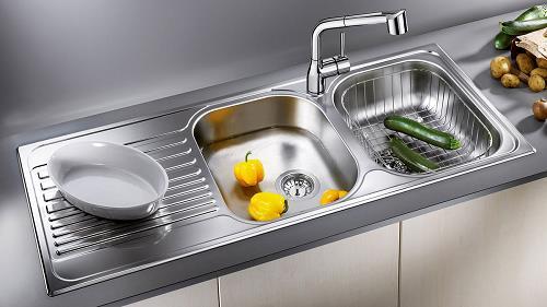 Bếp nằm gần đường ống nước chính