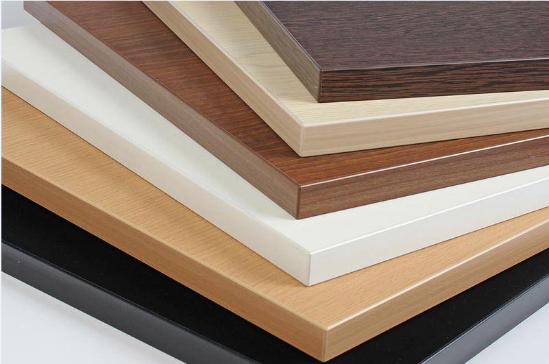 Vật liệu đóng tủ Laminate có độ bền, đồ chống xước tốt hơn rất nhiều và giá thành cũng cao hơn